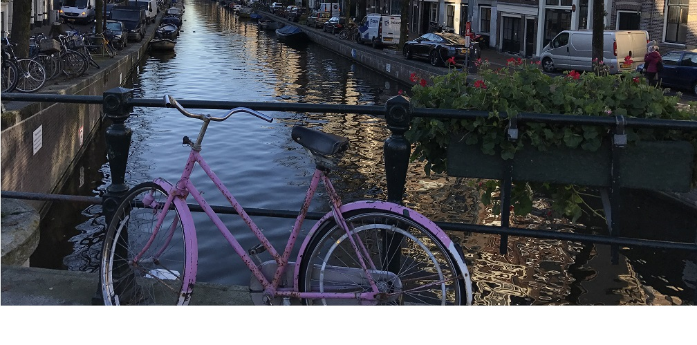 Bike through the Jordaan