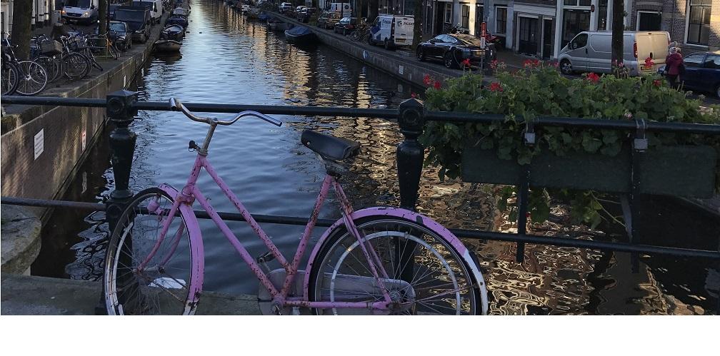 Bike through the Jordaan