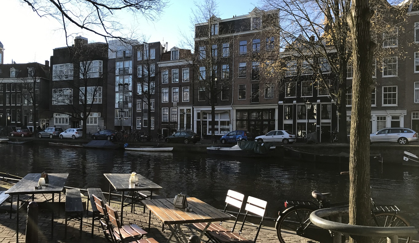 Contact - Amsterdam Canal