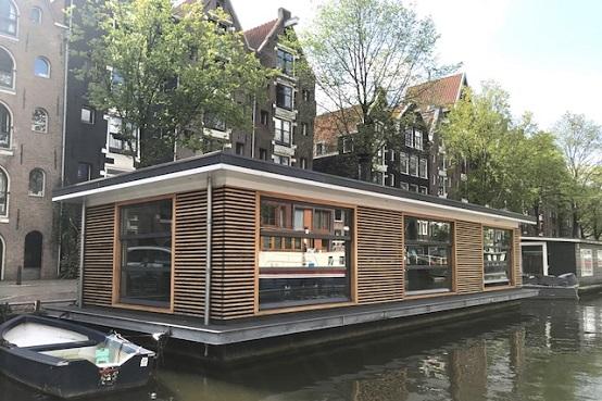 Unique Houseboats