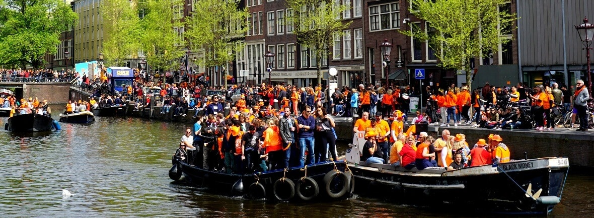 Kingsday on a boat